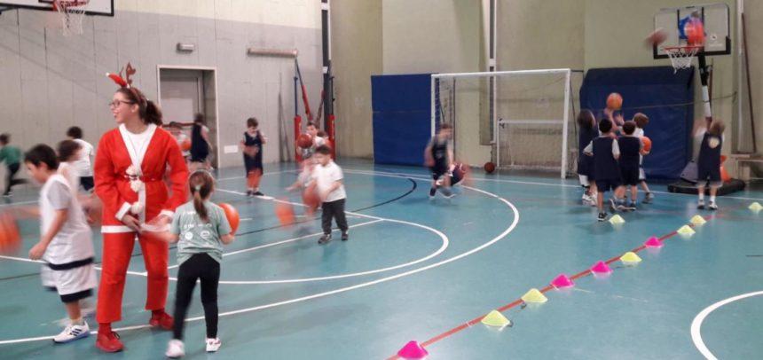 Festa di Natale anche per il Minibasket, che divertimento!