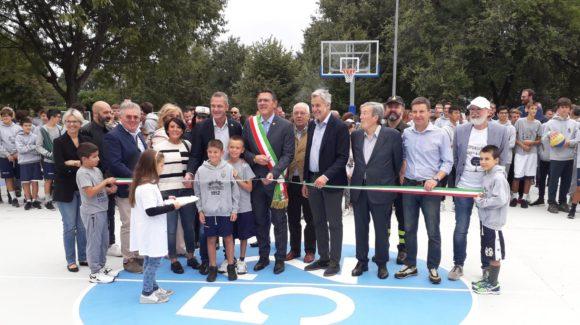 Inaugurato il Playground '52, in tantissimi per l'apertura del campo da basket di Via delle Querce
